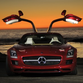 Sony Offers a Real Mercedes-Benz SLS AMG For Playing Gran Turismo